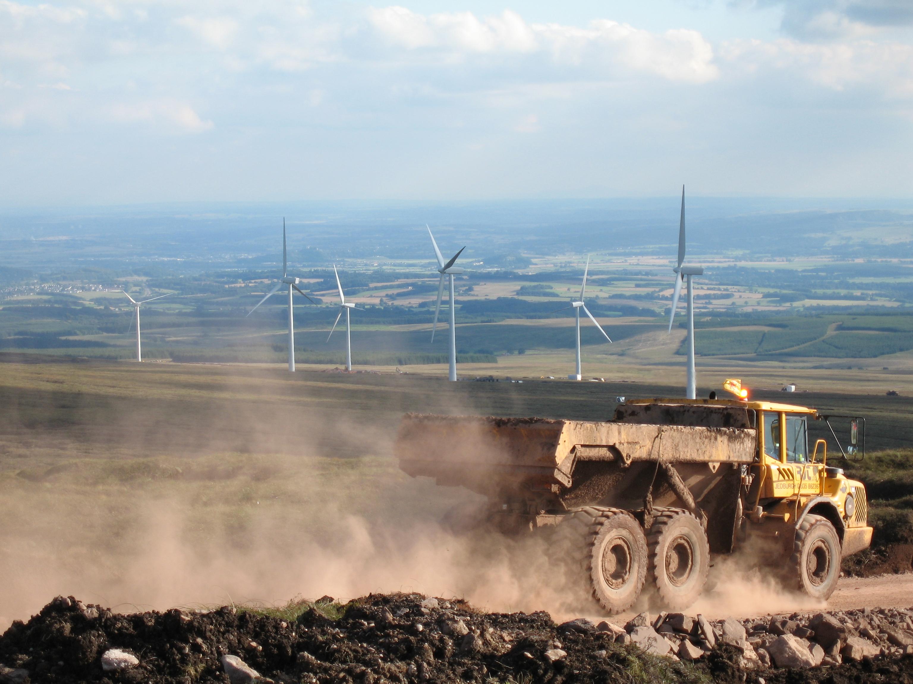Fournir des solutions durables pour le secteur de l'énergie éolienne avec des géosynthétiques